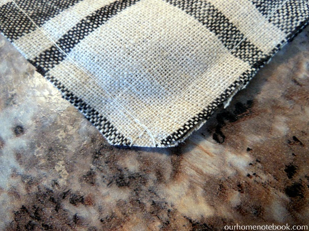 Pocket Pillow Cover Tutorial - clip corners