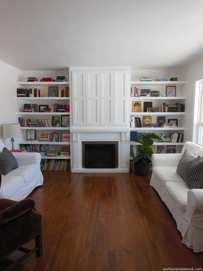 Remodelaholic built in fireplace surround and shelving for Living room built ins ideas
